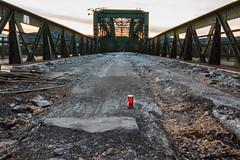 Das Grablicht (Fotos4RR) Tags: grablicht eisenbahnbrücke brücke bridge donau danube linz upperaustria oberösterreich österreich austria abriss gravecandle