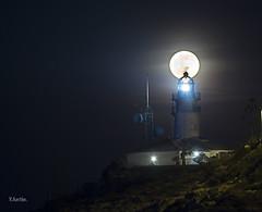 iluminados (:) vicky) Tags: valencia night faro noche nocturna cullera olympusdigitalcamera vickyepla flickrvicky