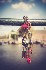 Locked away (Tiph Haine) Tags: france amsterdam canon french eos is netherland l usm fullframe amateur f4 franais lightroom 6d 24105 llens 24105mm canonef24105mmf4lisusm llenses tpix canon6d canonfrance canoneos6d pleinformat