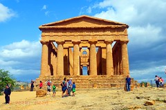 Valley of the Temples - Temple of Concordia 6 (Sussexshark) Tags: holiday temple concordia sicily vacanza sicilia agrigento valledeitempli valleyofthetemples 2016