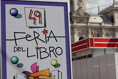 IMG_2240 (ladislaus_nim) Tags: plazamayor cultura feriadellibro barriocentro