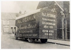Family divisions (SemmyTrailer) Tags: ford fordson 7v lorry truck pantechnicon luton removals richman gillingham kent medway jxu718