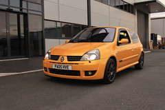 LY 182 27-06-16 012 (AcidicDavey) Tags: yellow clio renault liquid 182 renaultsport