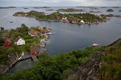 View from Borya, Sgne, Norway (Anders_3) Tags: sea summer norway rural island coast boat norge cabin community coastline scandinavia boathouse woodenhouse srlandet borya sgne vestagder nikond700 bastholmen