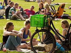 Park Lepelenburg. Picknick time. (George Ino) Tags: copyright holland utrecht nederland thenetherlands citycenter centrum mygearandme georgeinohotmailcom