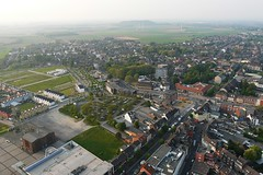 Ballonfahrt: Alsdorf-Eschweiler (Neuwieser) Tags: above park anna hot eye tower birds de photography photo photographie view ride air hotair ballon balloon picture heisluftballon pit aerial photograph cameron aachen frame winding frderturm ballooning shaft birdseye vues prise luftbild hoist arienne headgear ballonfahrt vogelperspektive luftaufnahme ballonfahren alsdorf pithead aerophoto heisluft luftbildaufnahme luftbildfotografie