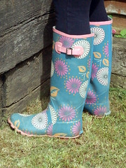 Gardening 002 (Glimmer Rat) Tags: wellies rubberboots gummistiefel wellingtons gumboots rainboots