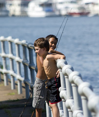 washingtondc fishing potomacriver eastpotomacpark washingtonchannel childrenfishing biracialchildren