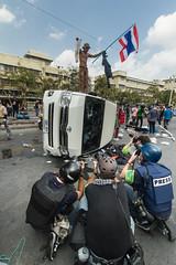 Bangkok | Thailand (Carlos Villanueva Obando) Tags: thailand bangkok protest