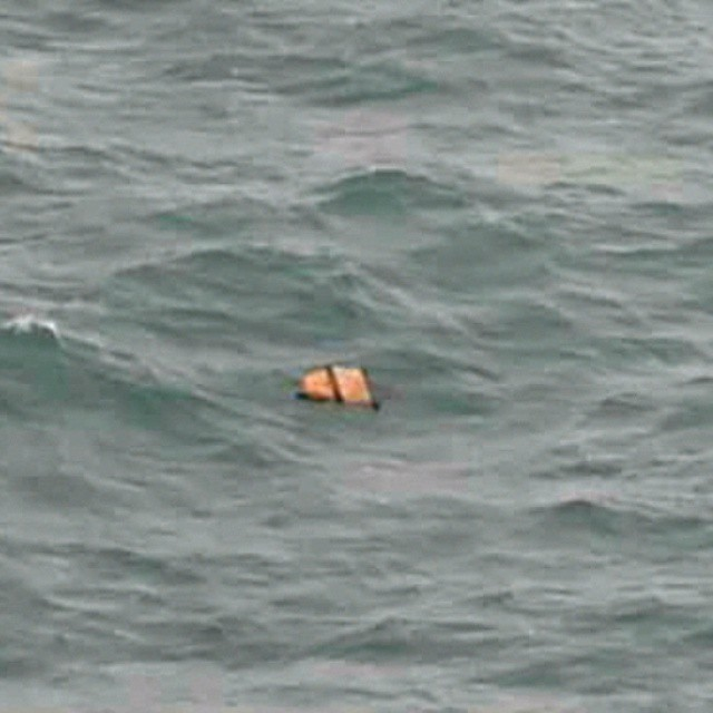 INDONESIA 95 %CERTAIN DEBRIS, BODIES FOUND IN FLOATING WATERS IN MISSING AIRASIA SEARCH AREA IN THE PACIFIC OCEAN