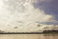 Rio Madre de Dios (Laura Colom) Tags: sky clouds canon river selva per jungle cielo amazonia nuves puertomaldonado riomadrededios madrededios