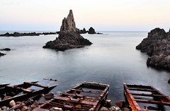 canto de sirenas (RalRuiz) Tags: espaa faro atardecer mar andaluca almera cabodegata rocas rales marmediterraneo arrecifedelassirenas parquenaturaldelcabodegata arrec