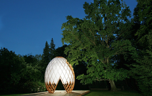"Egg @ Private garden, Hoeilaart 2006<br /><span style=""font-size:0.8em;"">Picture taken by Fabrice Dermience et Xavier Istasse</span> • <a style=""font-size:0.8em;"" href=""https://www.flickr.com/photos/89852662@N02/15668065082/"" target=""_blank"">View on Flickr</a>"