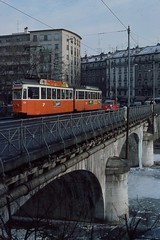 1985-01, Genève, Pont de Carouge (Fototak) Tags: switzerland geneva tram 315 700 genève tpg strassenbahn schindler arve 728 ligne12