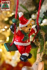 Swinging Bear (jerry_springberg) Tags: christmas xmas natal weihnachten navidad decoration noel christmasdecoration jul natale  nadal kerstmis jl karcsony nadolig joulu    kersfees gwiazdka kristnasko  sarcalogos x jerryspringberg decorationdenoel chrschtdag  krismasi jerryschristmas