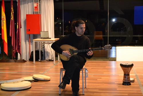Charla-concierto de Chiqui García en UPCT 3