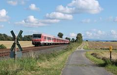 Salzgitter Ringelheim Harz 11 (treineninhetnoorden) Tags: bad hannover db re harz salzgitter regio 218 harzburg 473 spoorwegovergang ringelheim v160 anrufschranke