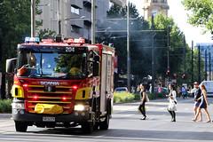201, 203 and 204 responding along King William Street (adelaidefire) Tags: fire bell south australian environmental service metropolitan scania samfs