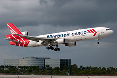 Martinair_Cargo_MD11_PH_MCR_MIA_20111121_0014432_Colormailer_Flickr