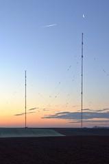 Sendemasten Aholming (Kurt Haberl) Tags: broadcast bayern sonnenaufgang sender niederbayern sendemast landkreis morgenstimmung deggendorf aholming rundfunksender langwellensender