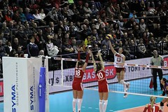 GO4G9723_R.Varadi_R.Varadi (Robi33) Tags: game sport ball switzerland championship team women action basel tournament match network volleyball volley referees