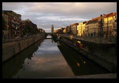 JUNI0739 (Leopoldo Esteban) Tags: street brussels canal belgium belgique bruxelles bruselas rue belgica straat molenbeek leopoldoesteban