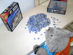 Me holibob jigsaw project! (pefkosmad) Tags: bear blue vacation white holiday ted church buildings toy island vacances stuffed soft teddy fluffy hobby plush puzzle santorini greece leisure jigsaw greekislands griechenland cyclades pastime 1000pieces worldssmallest tedricstudmuffin cheatwellgames