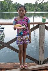 _TEF5453 (Edson Grandisoli. Natureza e mais...) Tags: alimento escola menina amaznia educao ribeirinha cabocla regionorte jovemmerenda