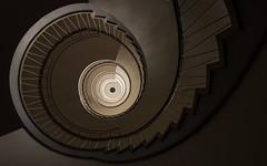 Caf Latte (michael_hamburg69) Tags: stairs germany deutschland stair steps stairwell stairway escalera scala bremen escalier rampa treppenhaus escala blockb  photowalkmitankeknipst doventorscontrescarpe172 deckenmotiv amtfrversorgungundintegrationbremen integrationsamt
