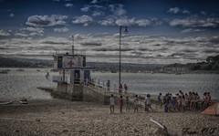 Curso de verano (cazador2013) Tags: monitores nios gente vela cursos mar playa orilla puerto arena surf nubes cielo costa barcos embarcadero muelle