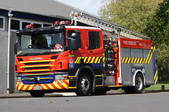 GCC 542 (ambodavenz) Tags: howick howickfirestation fraserfirerescue newzealandfireservice newzealand southauckland fireengine fireappliance scania p310 fire auckland