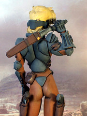Appleseed +++ 1:8 Deunan Knute in ESWAT battle armor (dizzyfugu) Tags: sf fiction anime duty manga knife police battle science armor resin 18 combat cyberpunk appleseed modellbau shirow knute masamune eswat deunan hecatonchires briaeros