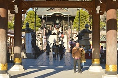 Narita-san entrance (malinowy) Tags: winter japan 35mm temple nikon buddhist nippon nikkor zima narita naritasan honshu shingon japonia swiatynia malinowy d7000 shinshōji malinowynet