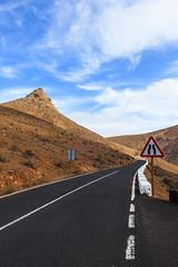 Mountain road (Bodyl) Tags: road street mountains landscape spain strasse fuerteventura transport berge transportation landschaft spanien kanarischeinseln betancuria