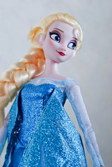 """""""I am one with the wind and sky"""" (Dave/Skrímsli) Tags: anna snow ice frozen store doll disney queen 16 exclusive elsa"""