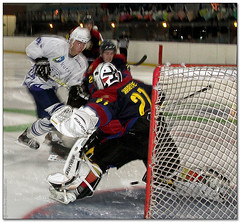 Hockey Hielo - 08 (Jose Juan Gurrutxaga) Tags: barcelona ice hockey hielo txuri txuriurdin izotz file:md5sum=9da249a2db5e5d05c8457e25e0bf3b87 file:sha1sig=695067049ac7251a944845e2016875ccb055bb4d