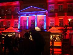 P1470887 Detmolder Advent 2014 (tottr) Tags: weihnachten december advent weihnachtsmarkt laser dezember rathaus lasershow weihnacht marktplatz lightart 2014 detmold detmolderadvent uweacker
