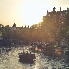 Perfect sailing weather (Jannes Glas.) Tags: water amsterdam boat iamsterdam sailing canals keizersgracht