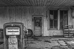 Old Texaco Gas Station (Mike Schaffner) Tags: door old blackandwhite bw monochrome us blackwhite closed texas unitedstates chief tire gas gasstation gasoline texaco corrugated gaspump regular leona closedsign