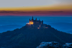 Burg Hohenzollern (Alias_Axel_Ryder) Tags: pink blue sunset sky orange 6 castle canon point eos rocks sonnenuntergang purple d himmel lila steine axel blau ryder schloss viewing burg untergang sonnen hohenzollern zollern hohen zeller steinig nhorn