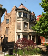 5128 S. Michigan Avenue (Brule Laker) Tags: chicago southside brownstone washingtonpark boardup