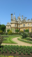 Waddesdon Manor (Peter Curbishley) Tags: gardens waddesdon aylesbury nationaltrust bucks rothschild destailleur