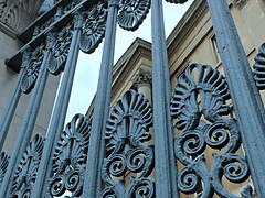 London June 2016 (Barbara Chandler) Tags: london wroughtiron duke wellington railings hydeparkcorner wellingtonhouse