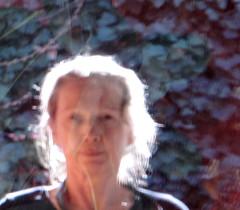 Ghost (maggy le saux) Tags: light portrait reflection luz glass strange licht lumire retrato spiegel ghost haunted odd reflet reflejo translucent geist voile fantasma bizarre velo glas luce contrejour vidrio fantme strano bizarro verre vetro vitre fremd riflesso trange extrao acontraluz translucide  hant blacklighting aurole  traslucido lichtdurchlssig halolumineux spretto