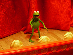 The Muppet Show (RK*Pictures) Tags: show green classic animal fun toy piggy actionfigure funny comedy stage janice muppets statler waldorf honeydew scooter frog cult pigsinspace kermit diorama beaker rowlf misspiggy zoot fozzie slapstick kermitthefrog drteeth jimhenson drbunsenhoneydew frankoz fozziebear gueststar themuppetshow theelectricmayhem televisionseries samtheeagle palisadestoys floydpepper themuppetlabs