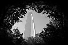 Gateway Arch (Adventurer Dustin Holmes) Tags: monument arch stlouis missouri gatewayarch monuments nationalmonument stlouisarch nationalmonuments jeffersonnationalexpansionmemorial gatewaytothewest worldstallestarch
