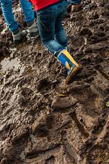_DSC2919 (10MFH) Tags: feet stitch mud boots lilo muddyboots
