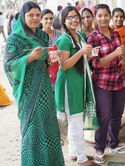 Art students paint Mandana (DarkLantern) Tags: india indian sari indien rajasthan inde 2014  salwarkameez shalwar  pushkarfair pushkarmela womansdressstyle