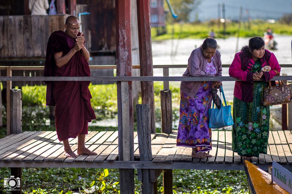 Monjes en Myanmar
