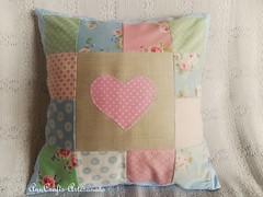 Almofada Corao V (AnnCrafts Artesanato) Tags: heart linen amor pillow corao patchwork tilda decorao almofada linho